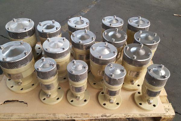 Triple function air valve DN300
